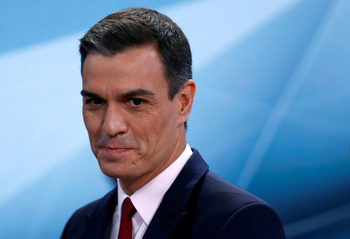 """Педро Санчес – """"аутсайдерът"""", успял да стане премиер на Испания"""