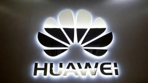 ARM незабавно прекратява бизнес отношенията с Huawei заради санкциите на САЩ
