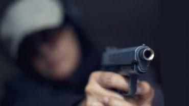 Иззеха газ сигнален пистолет от частен дом в село Любеново