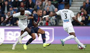 Френската Лига 1 ще сложи таван на билетите за гостуващи фенове