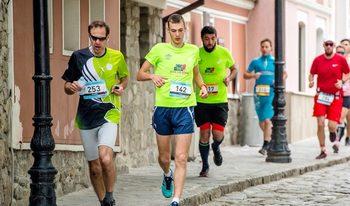 Фотогалерия: На бегом под тепетата – най-доброто от маратона в Пловдив