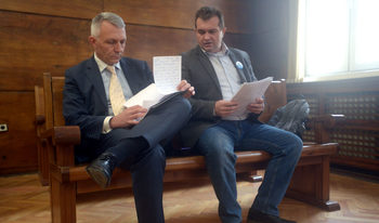 Въпросът дали Пеевски живее в България стигна до Върховния съд