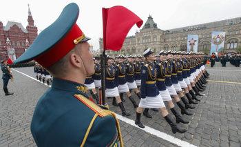Фотогалерия: Парадът на Червения площад за Деня на победата
