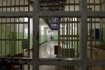 Затворници спечелиха дело за интимни срещи без камери, но наблюдението остава