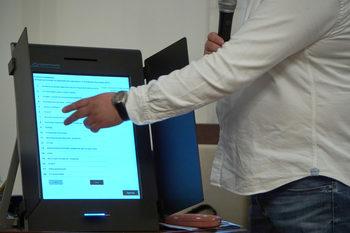 ЦИК: Единични са случаите на проблеми при доставка и монаж на изборни машини