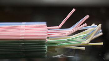 Окончателно: ЕС забранява пластмасови изделия за еднократна употреба от 2021