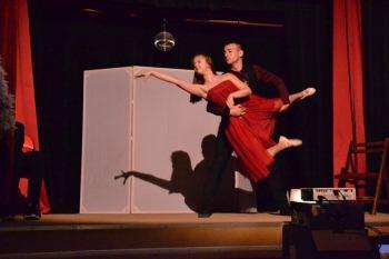 """Езиковата гимназия в Плевен със спектакъл """"Генералната репетиция"""""""