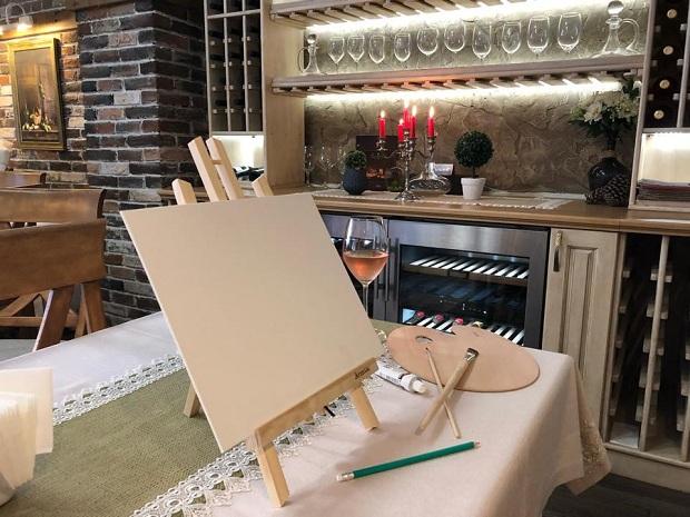 За първи път в Габрово: Рисуване и вино!