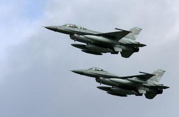 Вечерни новини: САЩ искат 2.2 млрд. лв. за новите F-16, 1 лв. субсидия и безлимитни дарения за партиите