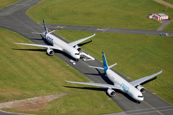 Авиоизложението в Париж: Airbus заложи на поръчките, а Boeing – на сигурността