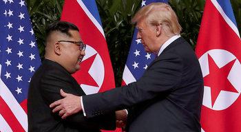 Година след срещата си, Тръмп и Ким са в безизходица