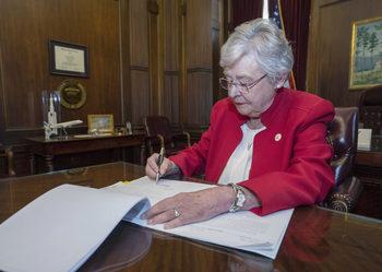 """Алабама прие закон за """"химическа кастрация"""" на педофили"""