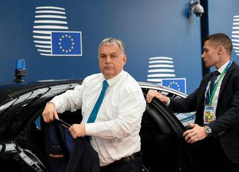 В писмо до ЕНП Орбан отхвърли критиките за върховенството на закона в Унгария