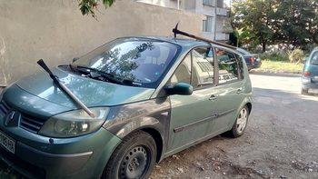 С две кирки е осъмнал днес автомобилът на ректора на Техническия университет във Варна