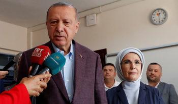 Ердоган поздрави Имамоглу и загатна, че може и да няма предсрочни избори
