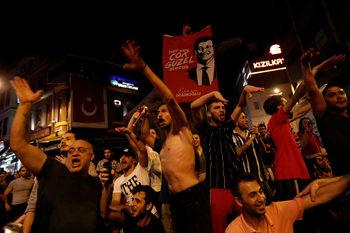 Избори или не – триумфът на Имамоглу изправя Ердоган пред дилема