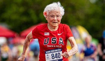 Видео: Да бягаш като ураган на 103 години