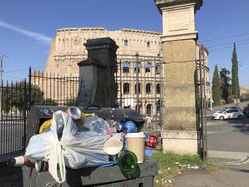 Лекари в Рим предупреждават за рискове за здравето заради криза с боклука