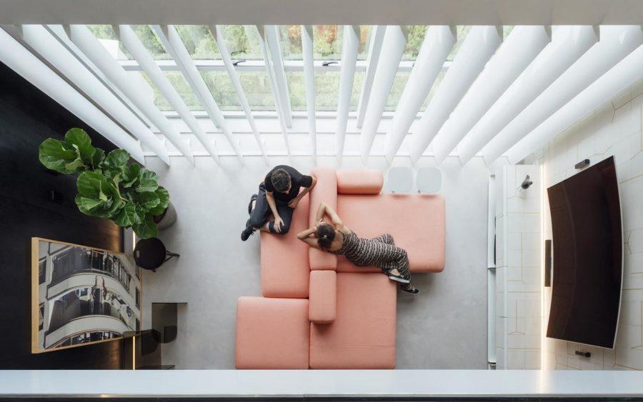 Малък, но просторен мезонет със забележителен интериор [68 м²]