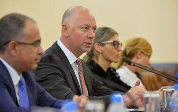 Фондът Meridiam и Strabag са харесани от държавата за концесионер на летище София