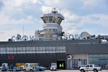 Вечерни новини: Неочакван стопанин за летище София, има задържан за хакерската атака срещу НАП