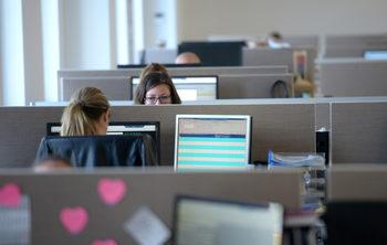 Компаниите, ръководени от жени, печелят повече, показа проучване
