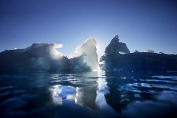 Гренландия е загубила 160 млрд. тона лед за месец, а горещата вълна предстои