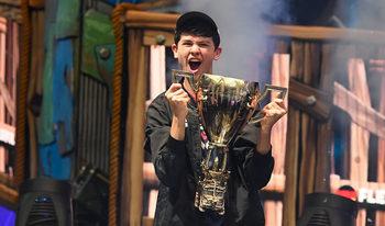 """Тийнейджър спечели 3 млн. долара от турнир по """"Фортнайт"""""""
