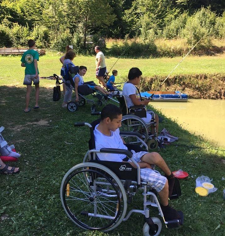 Пикник с риболов за семействата на Дневния център