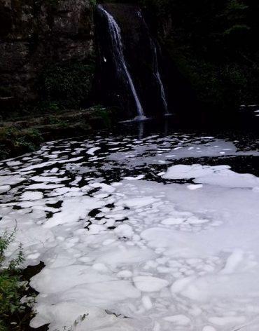 Изсипаха перилен препарат в Иваниловския водопад край Габрово