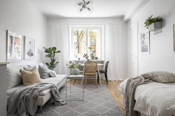 Трудната мисия да обзаведеш и декорираш стилно студио с размер 22 м²