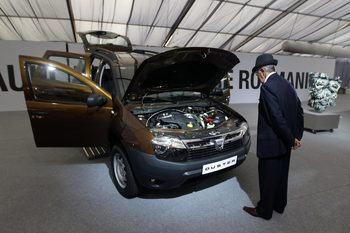 Dacia ще затрудни Renault да спазва европейските стандарти за вредните емисии