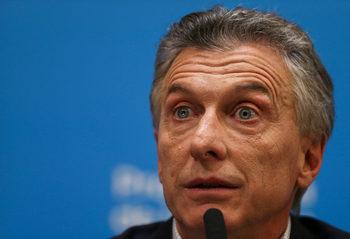 Аржентинските финансови пазари се сринаха след първичните избори