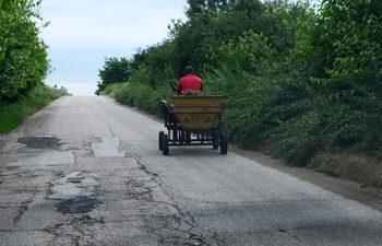 """""""Галъп"""": Близо половината българи обвиняват държавата за проблемите си"""