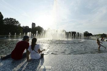 """Полша освобождава младите от данък върху доходите, за да спре """"изтичането на мозъци"""""""