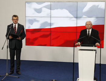 Председателят на полския Сейм напусна, ползвал държавен самолет да лети до вкъщи
