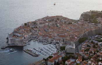 """""""Само бели европейци"""": хърватски дипломат отзована след провокативен коментар"""