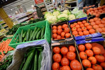 За плодовете, зеленчуците и млякото се подготвя обратно начисляване на ДДС