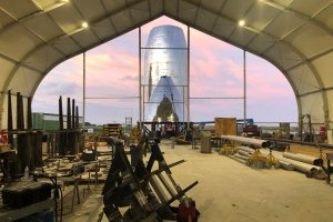 Почти е готов прототипът на SpaceX Starship за орбитални тестове