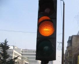 Подменят светофарни секции на кръстовище в Плевен