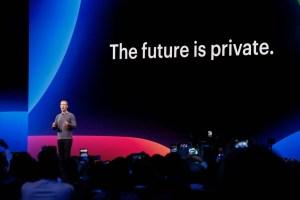 """Facebook спря """"десетки хиляди"""" приложения, заподозрени в източване на информация"""