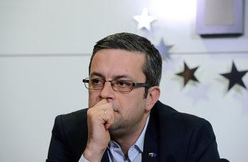 Политици и институции да не бягат гузни пред вятъра по ареста за шпионаж, призоваха от ГЕРБ