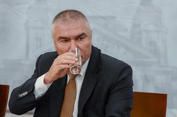 """Депутат с обвинение за изнудване е кандидатът на """"Воля"""" за кмет на София"""