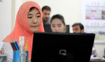 Китай търси път към умовете на пакистанците