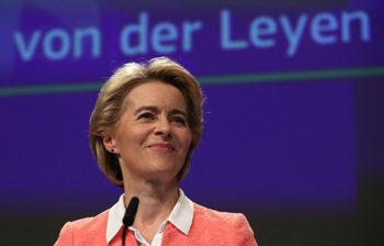 Какво следва за комисията на Фон дер Лайен след блокирането на двама кандидати