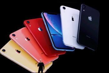 Apple с добри резултати през тримесечието въпреки по-слабите продажби на iPhone