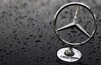 Китайският пазар подпомага продажбите на Mercedes-Benz и BMW