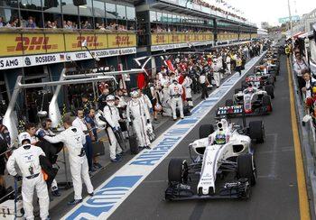 Как регулаторите застанаха между Formula 1 и цигарените пари