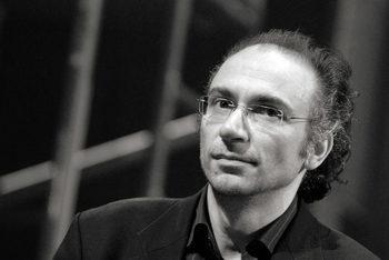 Димитър Динев, писател: Литературата е най-консервативното изкуство