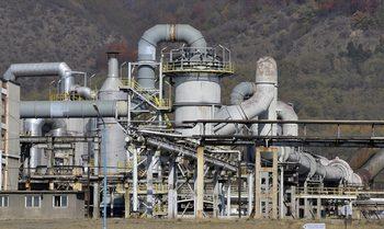 Законът за запасите от нефт ще засегне тежката индустрия